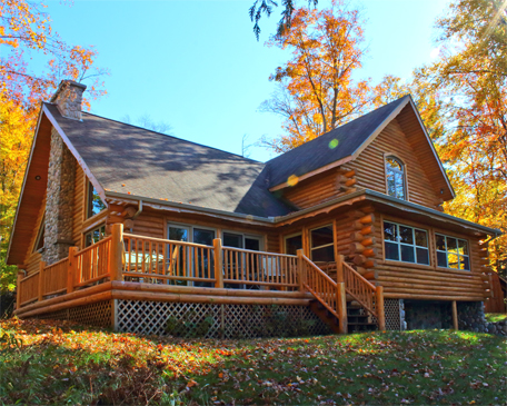 Our Upper Peninsula Log Homes and log cabins can give you the northern appeal that you desire.